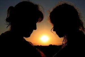 Mother-and-daughter-silhouette